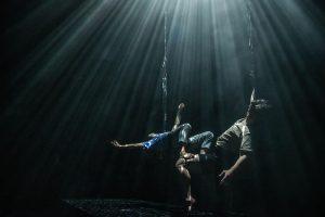Kuvassa kaksi tanssijaa